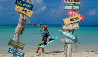 Kitesurfing at Fisherman's Huts Noord Aruba