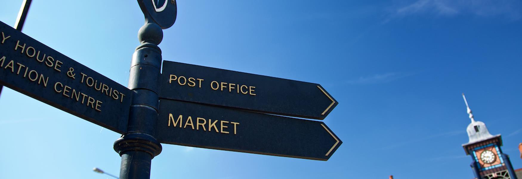 Signpost Dunstable