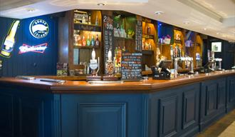 The Crown, Luton