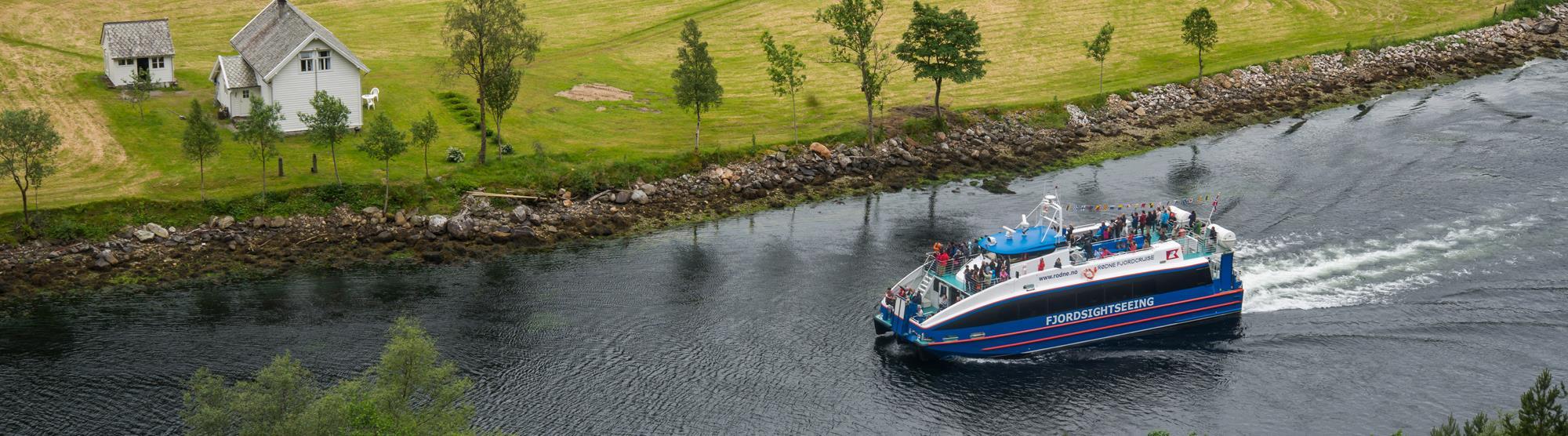 Kurze Schiffsausflüge und Halbtags-Fjordfahrten