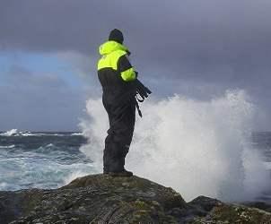 Durchblättern nach Bei Sturm an die Küste vor Bergen