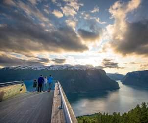 Durchblättern nach Weather in the Norwegian Fjords