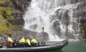 Fjordcruise og fossefallsafari i Hardanger