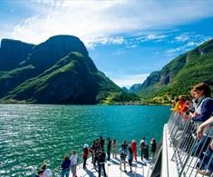 Fjord cruise mellom Gudvangen og Flåm