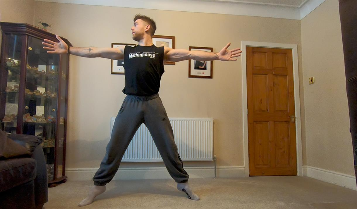 #TogetherInIsolation free dance classes from Motionhouse