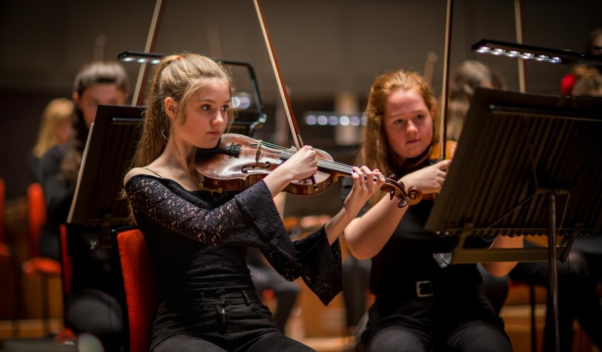 CBSO Youth Orchestra Plays Shostakovich