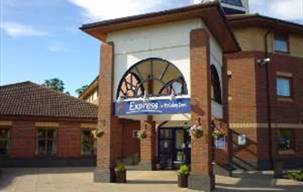 Holiday Inn Express - Warwick