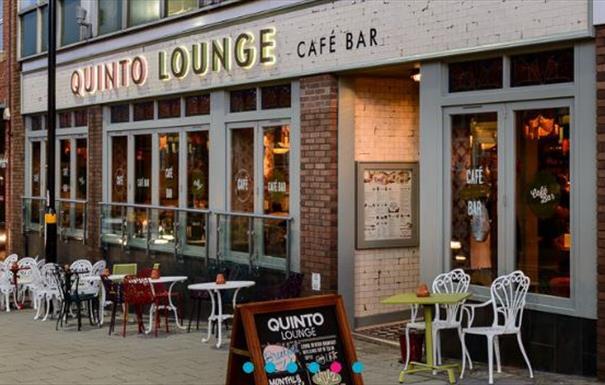 Quinto Lounge