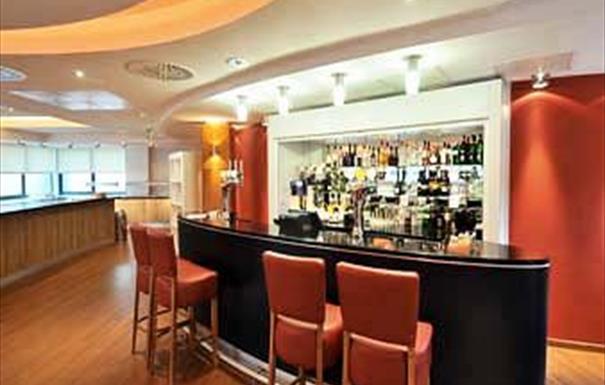 Ramada Encore - bar