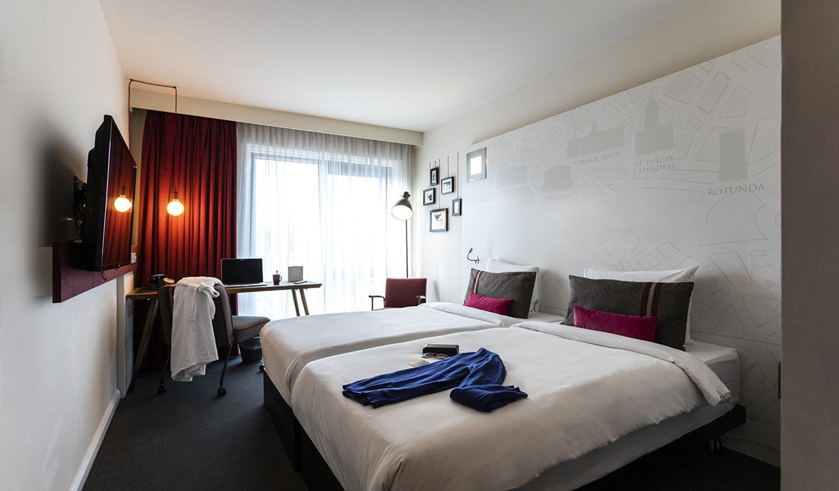 A bedroom at Pentahotel Birmingham