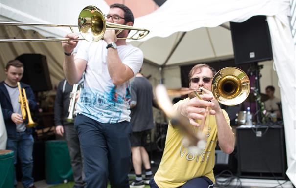 TDE: Ripshaw Catfish and Richard Foote's Double Trombone Quintet