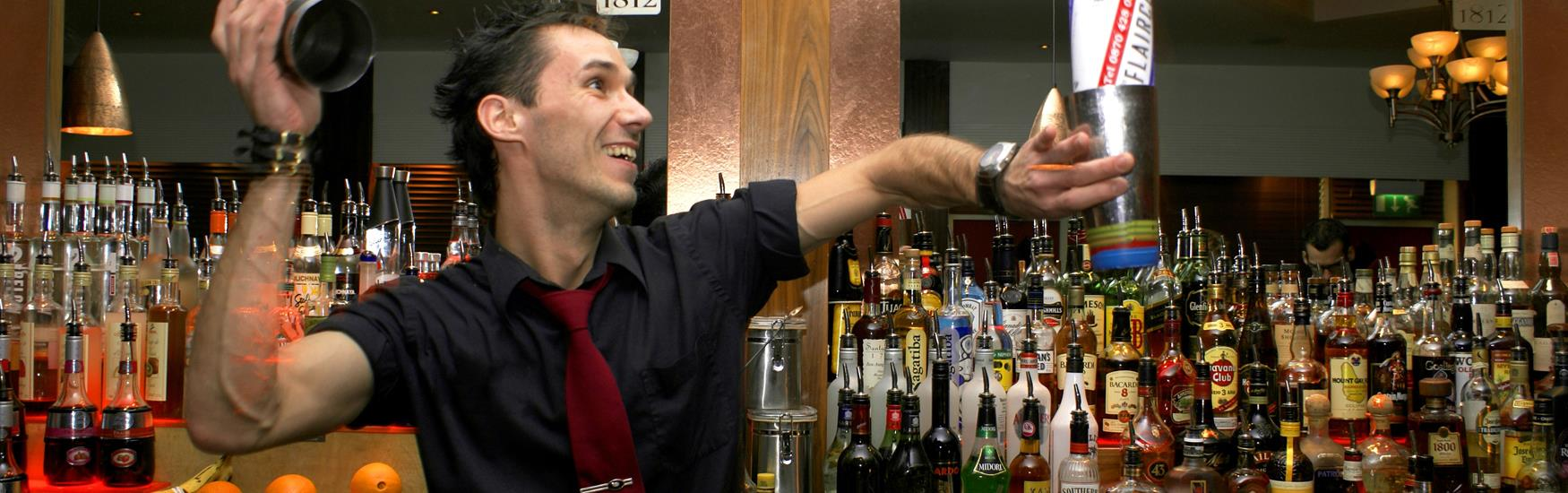 Mixologist flair in Bournemouth bar - food and drink experiences