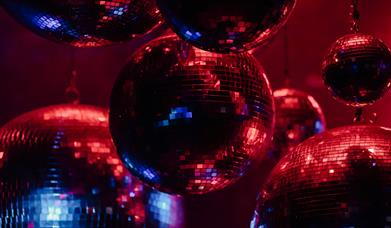 Red and blue glitterballs