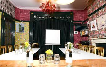 U style meeting table