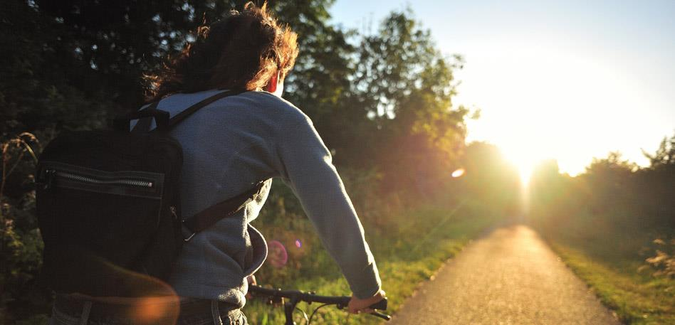 Green Bristol: Cycling in the sunshine. Credit Sustrans