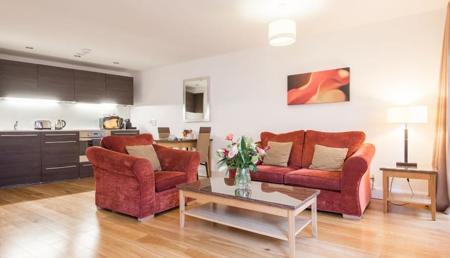 Premier Suites Plus Bristol Cabot Circus living room