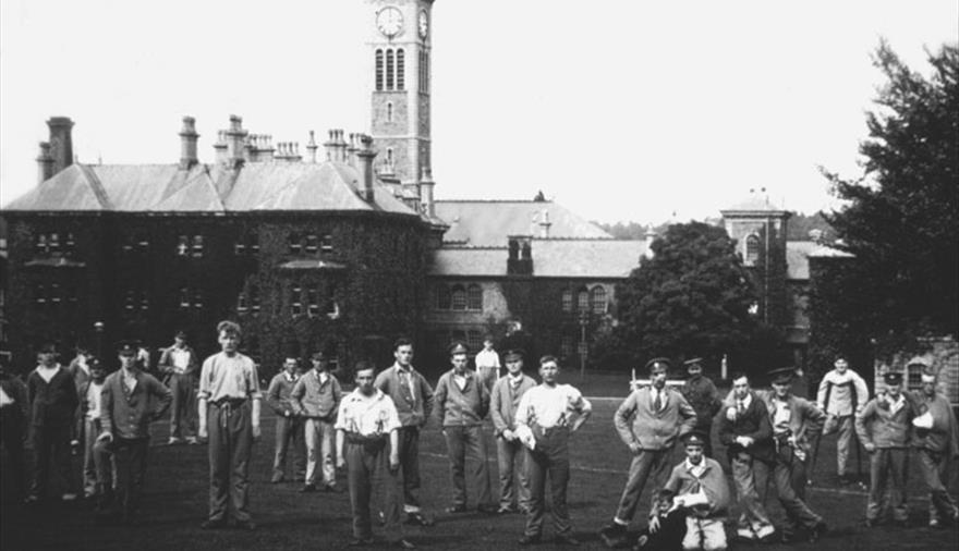 Beaufort and the men in blue at Glenside Hospital