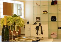 Shop & Stay – Luxurious private suite with your very own style concierge