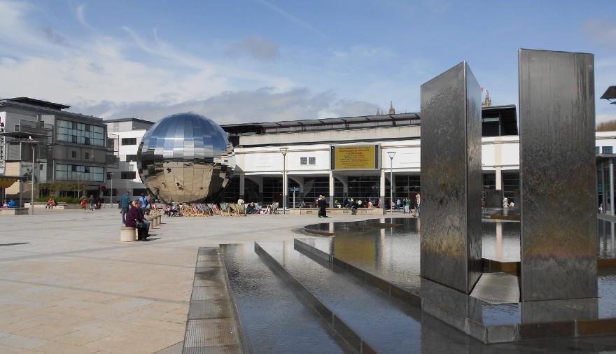 The Best Walking Tours Company - Millennium Square