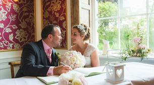 Wedding_Couple_Register