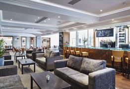 Bristol Marriott Hotel City Centre lounge area
