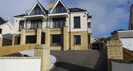 Strand Lodge