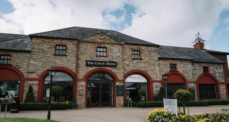Coach House Brasserie at Roe Park Resort