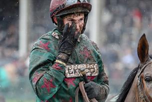 The November Meeting at Cheltenham Racecourse