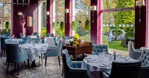 Dining tables in Victoria's Restaurant