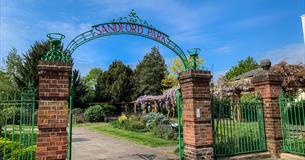 Sandford Park Cheltenham entrance