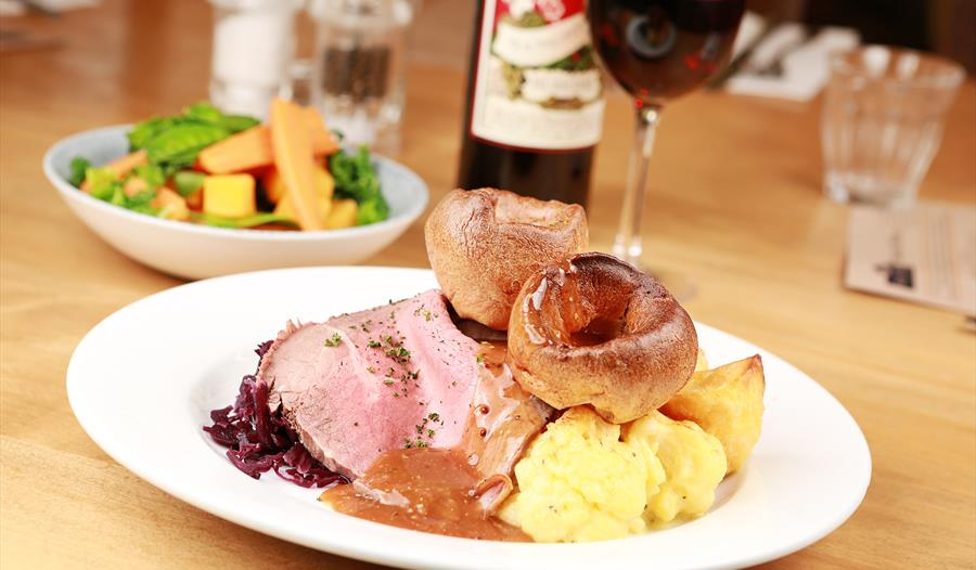 Ring O' Bells pub at Cheshire combines high class food with the finest wines