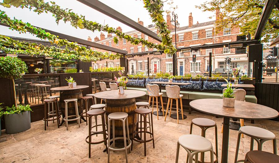 Outdoor terrace at BarLounge