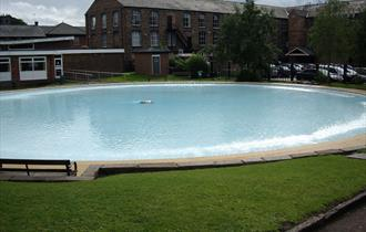 Congleton Paddling Pool - A free way to spend the day.