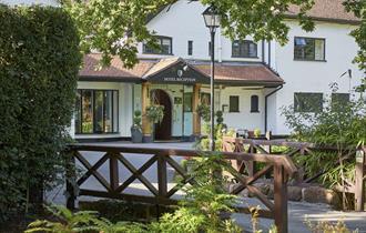 Macdonald Craxton Wood Hotel & Spa, entrance