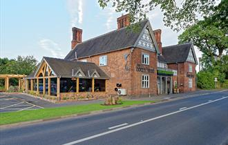 The Boars Head exterior just 5 minutes from Nantwich.