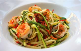image of spaghetti and prawns