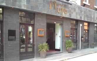 Mojo Bar & Grill