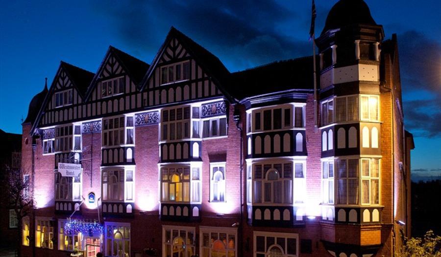 Hallmark Inn Chester, ideally situated opposite Chester Railway Station