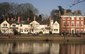 The River House Chester luxury holiday cottage