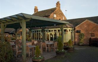 outdoor seating at the cock and pheasant