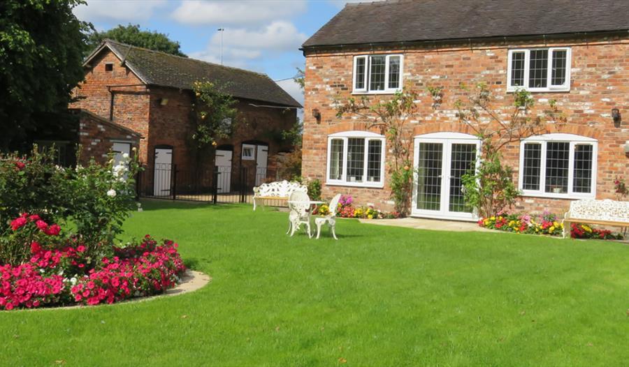 Corner Farm - B&B, a charming 200 year old oak beamed farm house