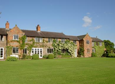 Manor Farm Holiday Cottages - SC, set in a stunning rural location