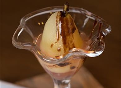 Enjoy a delicious dessert at The Lyceum Theatre
