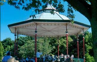 Bandstand in Queens Park