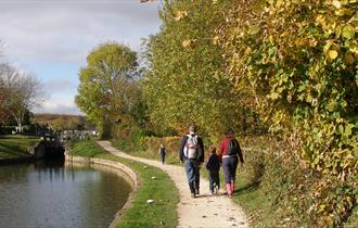 Walking on the Chesterfield Canal