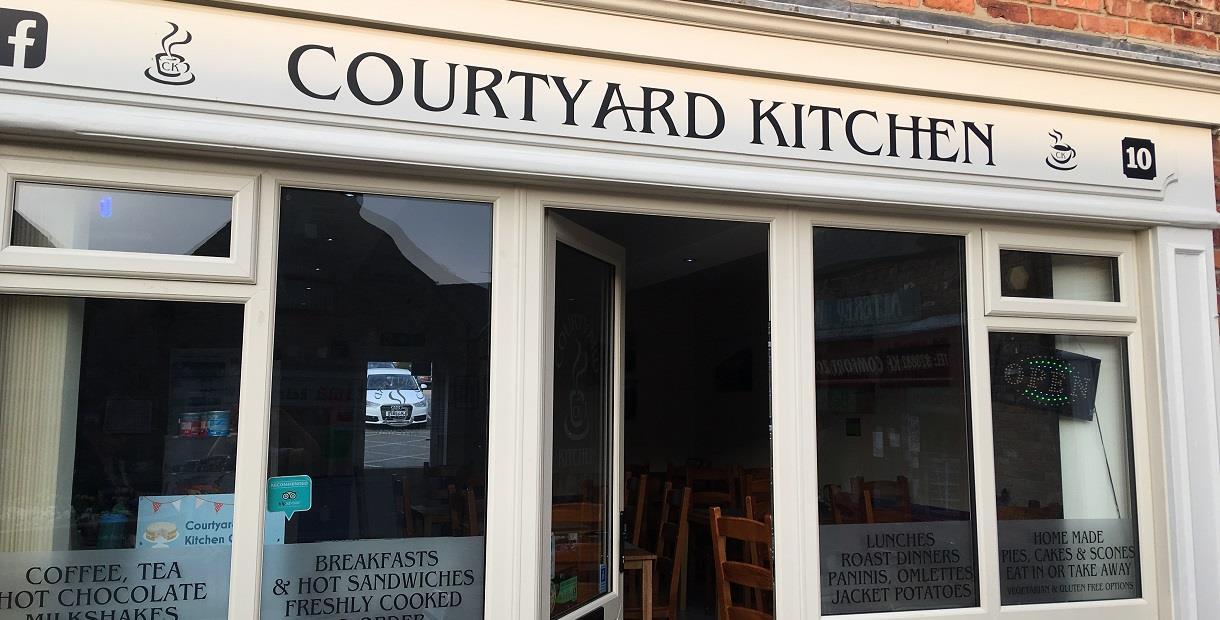 Courtyard kitchen 1
