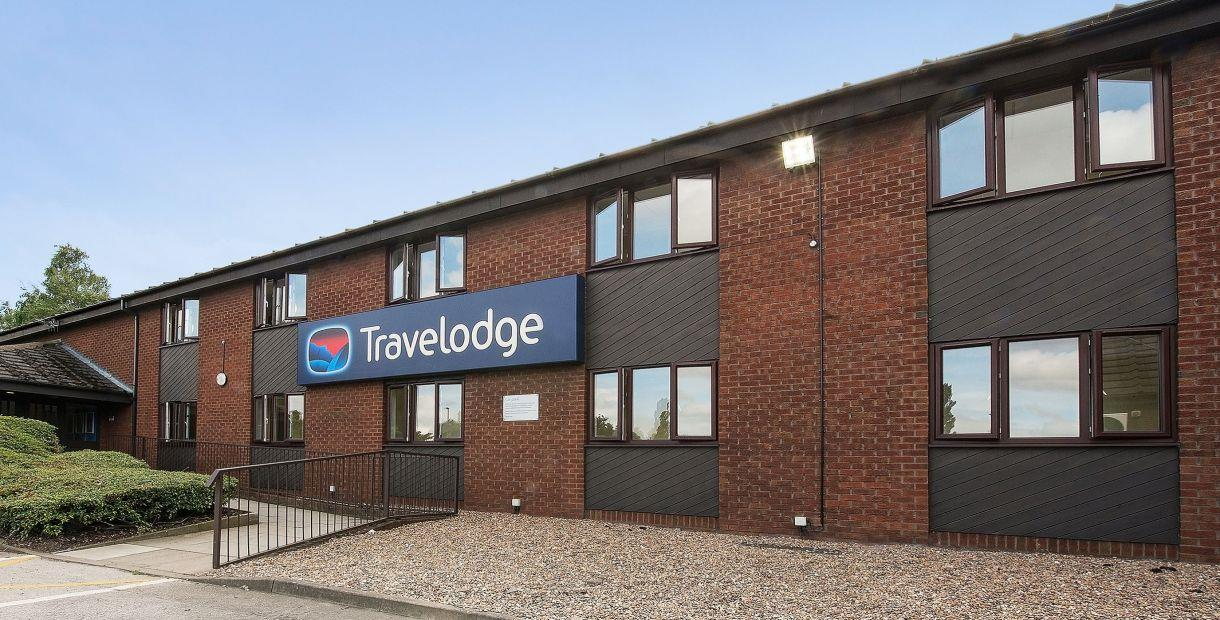 External View of Entrance to Travelodge Chesterfield