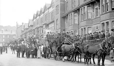 Victorian photograph of horse drawn carriage and crowds of people, Penrhyn Road, Colwyn Bay