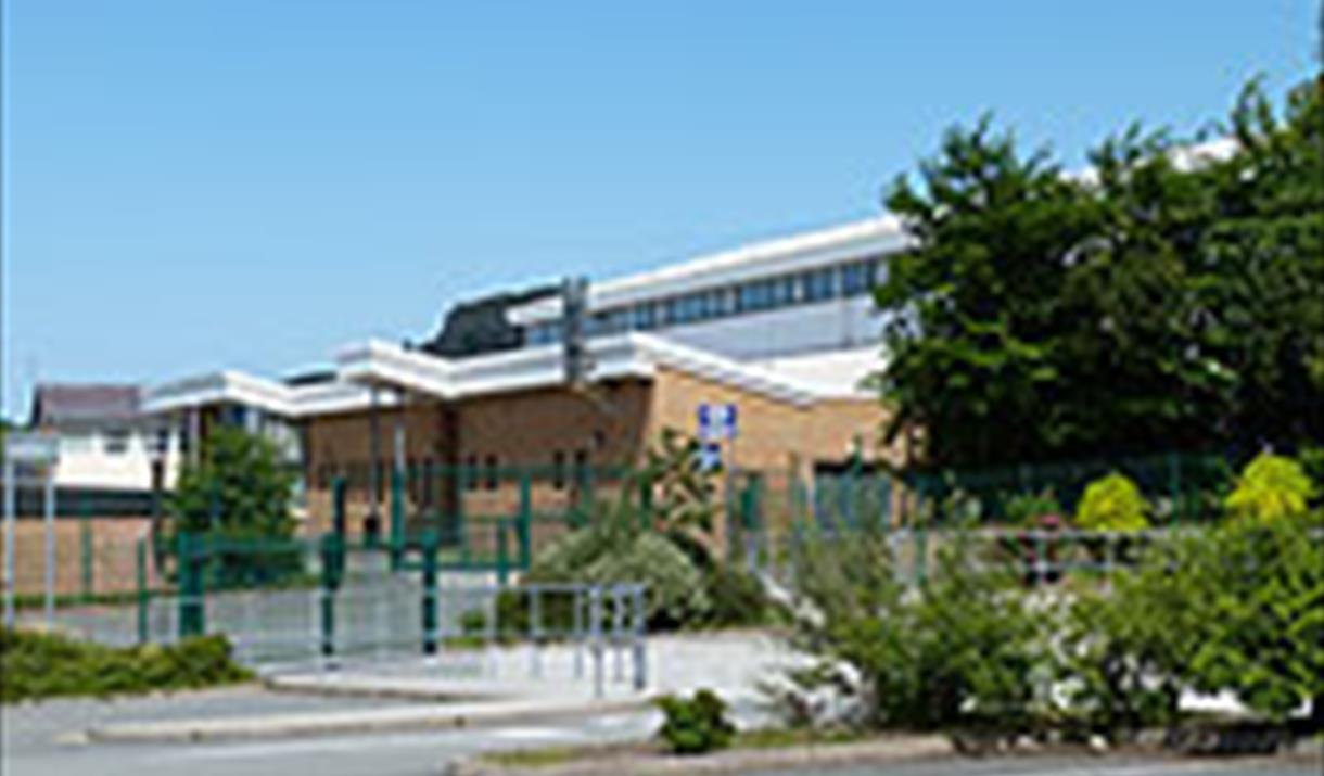 Exterior of Ysgol Aberconwy Leisure Centre