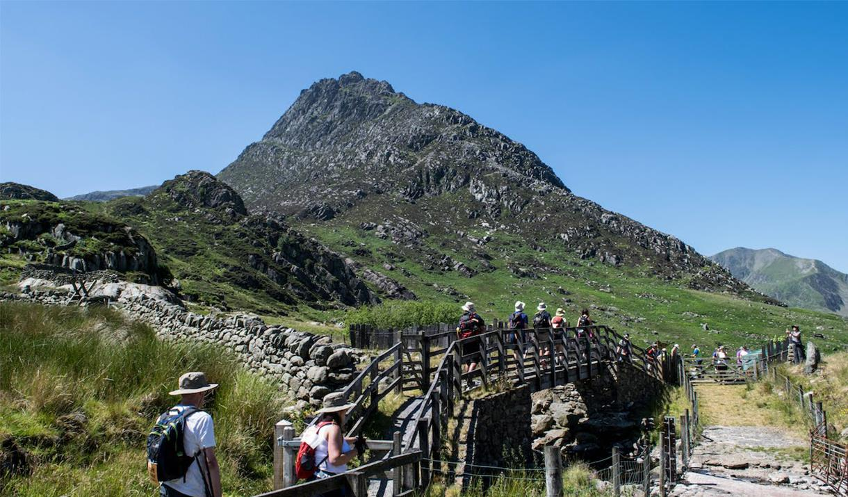 Image of walkers in Snowdonia